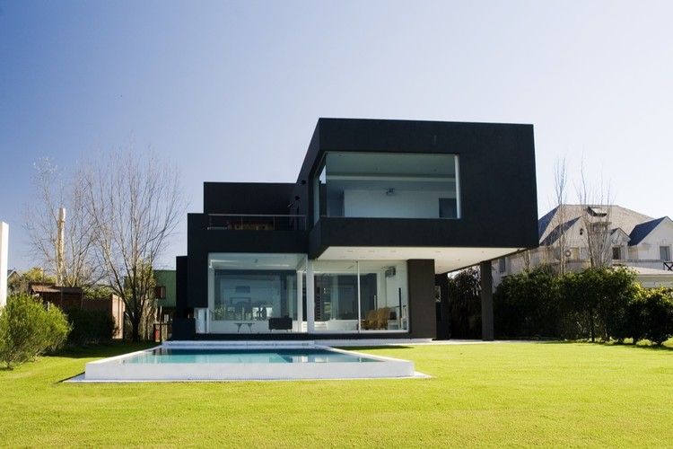 The Black House / Andres Remy Arquitectos, andres remy 捐献