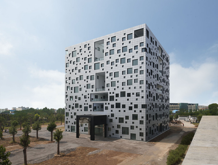 Cube Tube in Jinhua / SAKO Architects, © Misae HIROMATSU