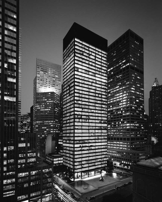 西格拉姆大厦 / Mies van der Rohe, Courtesy of 375parkavenue.com