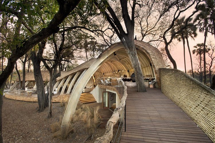 Lodge Safari Sandibe en Okavango / Nicholas Plewman Architects in Association with Michaelis Boyd Associates, © Dook