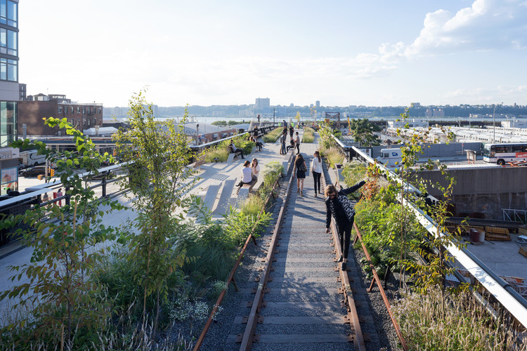 景观建筑师将成为城市未来的关键, The High Line's third section in New York. Image © Iwan Baan, 2014