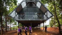 Bann Huay San Yaw 灾后学校  / Vin Varavarn Architects