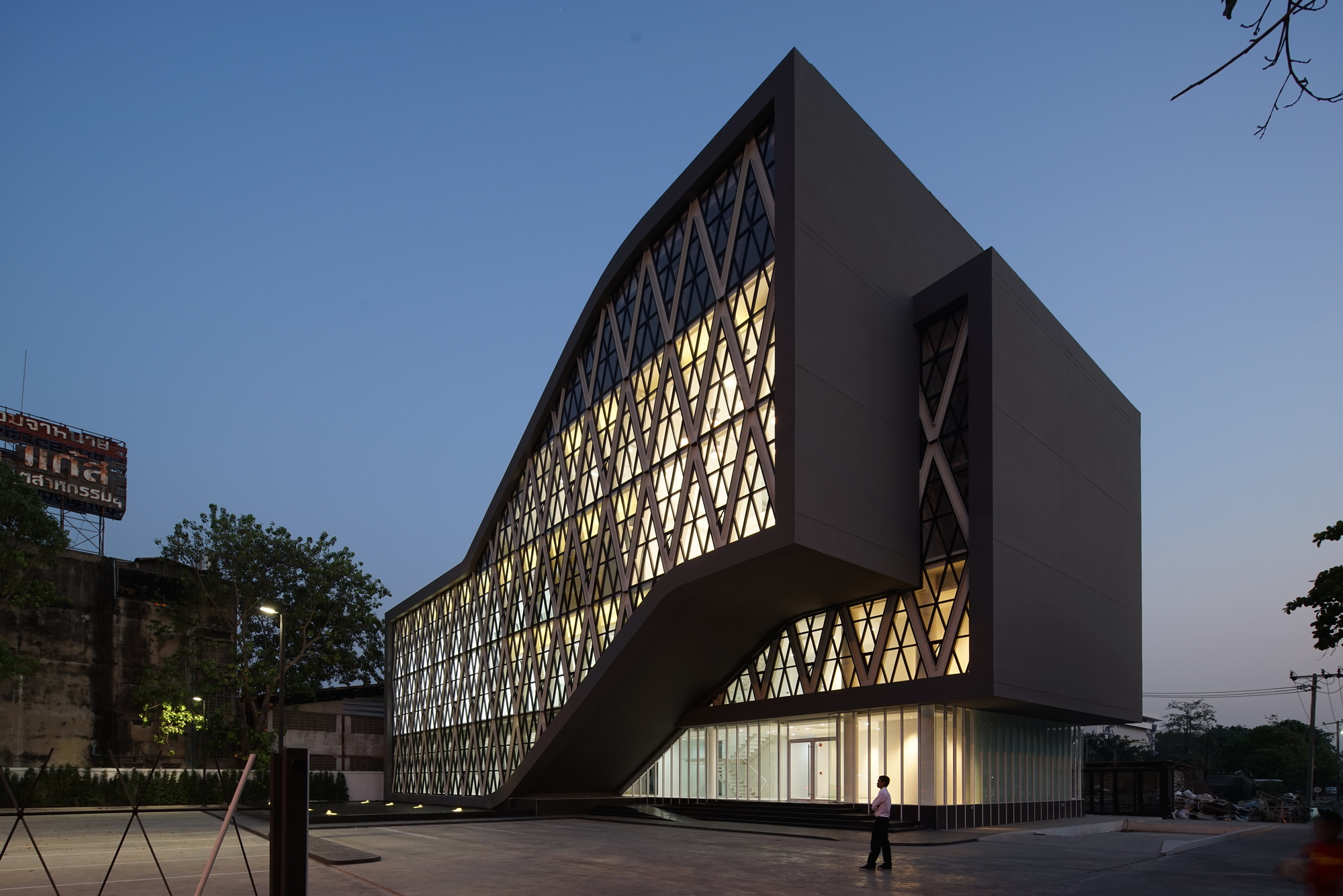 Saengthai 橡胶总部 Atelier Of Architects Archdaily
