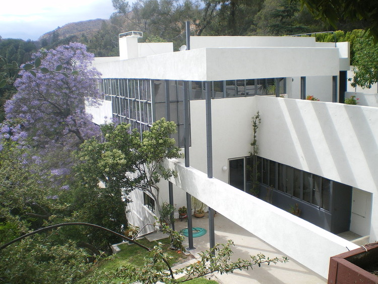 聚焦:理查德·诺依特拉(Richard Neutra), Lovell House, 1929. Image © <a href='https://commons.wikimedia.org/wiki/File:Lovell_House,_Los_Angeles,_California.JPG'>Wikimedia user Los Angeles</a> licensed under <a href='https://creativecommons.org/licenses/by-sa/3.0/deed.en'>CC BY-SA 3.0</a>