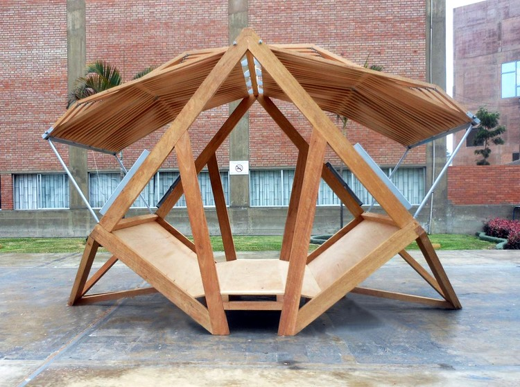 Pempén, a Transformable Module for the Peruvian Forest (Pontificia Universidad 图片致谢 Católica del Perú).  Pempén
