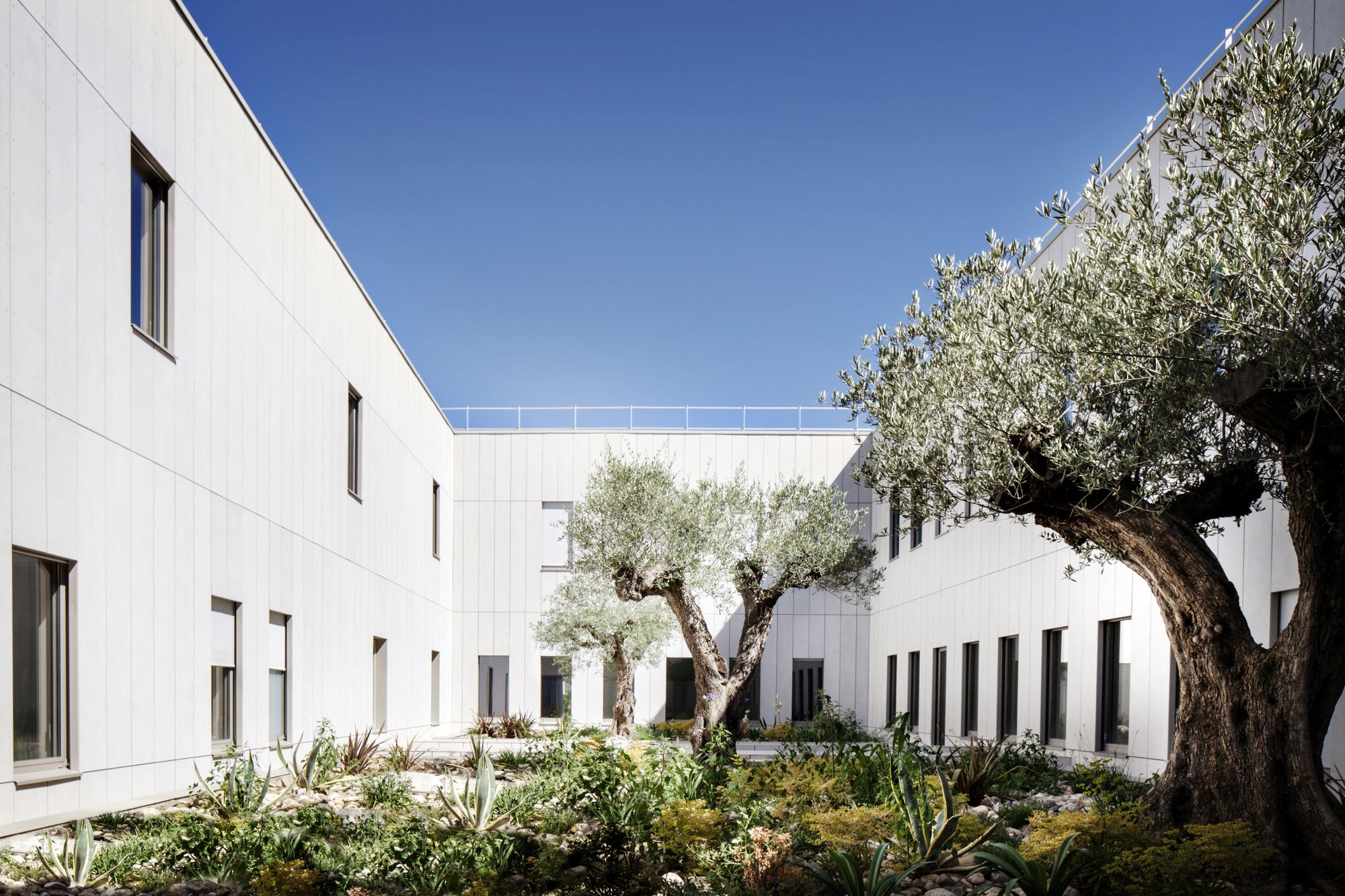 Courthouse / Ateliers 2/3/4