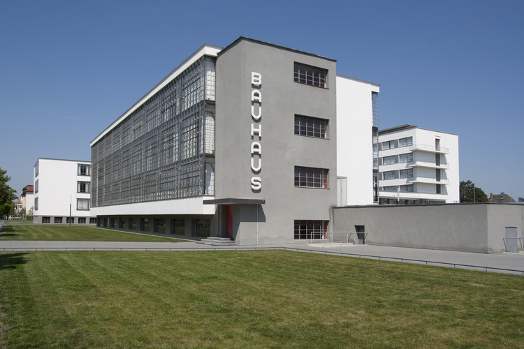Bauhaus Dessau © Bauhaus Dessau Foundation, Photograph: Yvonne Tenschert, 2011. Image Courtesy of Getty Foundation