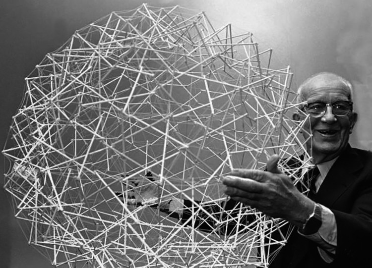 什么是'整体张拉结构'?在建筑中如何被运用?, Buckminster Fuller <a href='https://www.flickr.com/photos/poetarchitecture/26806590126/in/photolist-GQNMjo-hESW2z-GMT4BP-ejcfv3-criycW-r4RXrm-qixJV2-3ZnJR-3ZnKg-5mMEfE-5mHpSD-5mMEDd-VR9y-VR7Y-VR9e-VR7D-VR8M-8y9tDo-8y6sNX-qnhPRv-sSPR3B-ta1L5A-sSFpTo-t7XFvh-t7Xf6u-t7WDZd-t7W8aY-sSFCyf-t7WNX3-sdgce7-sSGbAS-sSEAJd-sSH5eG-t7WeNY-sdsw7p-sdrtJa-t7WvQs-ta2Hj3-taiBsF-tagNuP-sSPTcM-t7WCsq-ta1wys-sSNNhP-ta2Tpo-sSFMmJ-sSPk8M-sdrEH4-ta2Jc5-sSHcrN'>©POET ARCHITECTURE via Flickr </a> Licença Public Domain Mark 1.0