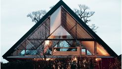 01 2 houses in chigny grange house at dawn %c2%a9adrien comte and mikael blomfelt