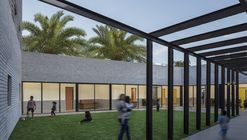 反家暴庇护所 / Amos Goldreich Architecture + Jacobs Yaniv Architects
