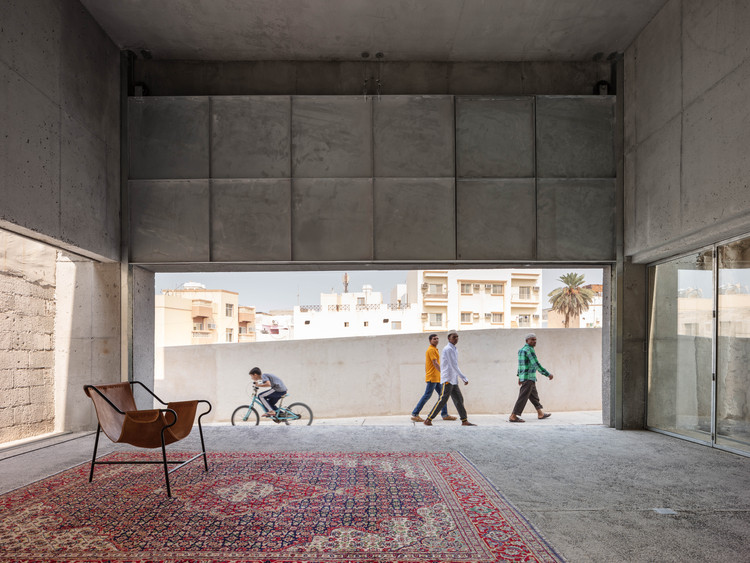 """琥珀""展览空间,聚焦发展中城市状况 / Noura Al Sayeh & Leopold Banchini Architects , © Dylan Perrenoud"