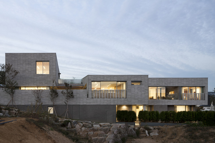 三院宅 / D.LIM architects, © Youngchae Park