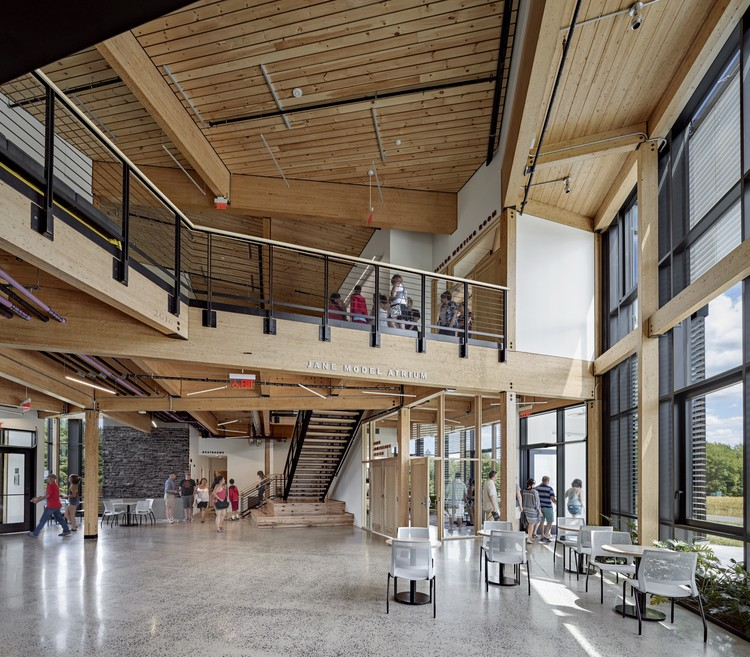 "Bruner/Cott 建筑事务所:旧建筑需要""变革性再利用"", Hampshire College R.W. Kern Center - Photo by Robert Benson"