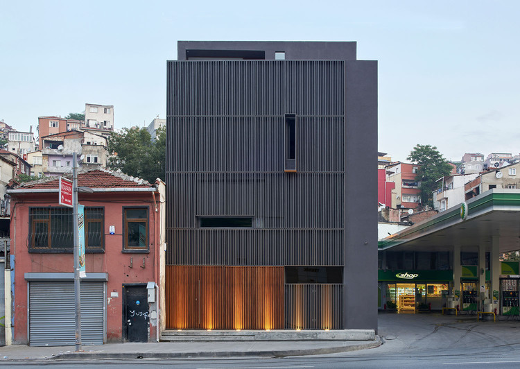 Pilevneli 展览馆,旧建筑的新生长 / Emre Arolat Architecture, © Thomas Mayer