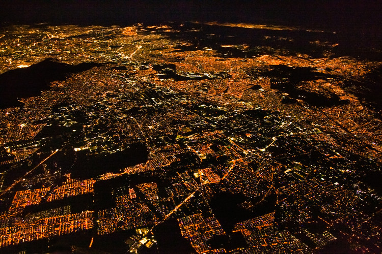如何实现弹性城市?, Night panoramic view of Mexico City, Mexico. Image © Aleksandar Todorovic