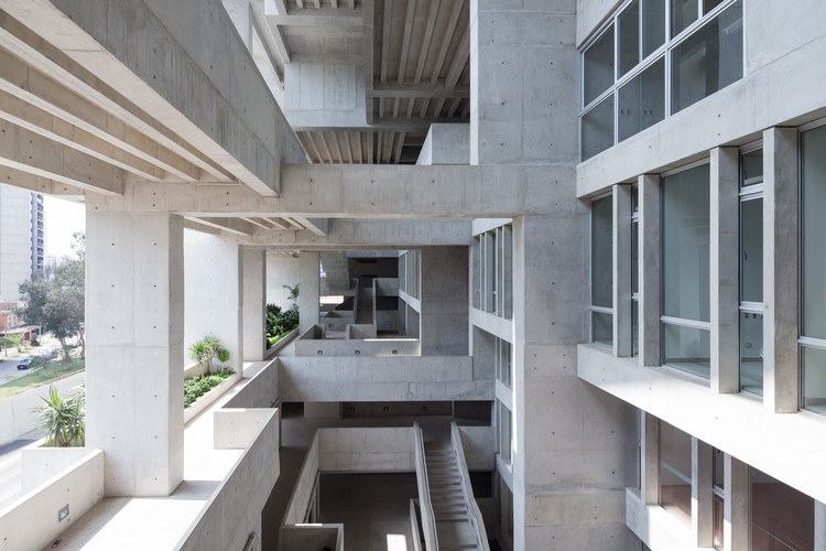 2020年 RIBA 国际奖开放提名,公布参赛事宜, UTEC - Universidad de Ingenieria y Tecnologia by Grafton Architects. Image © Iwan Baan