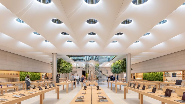 Apple旗舰店,城市人工构筑物与自然关系, Apple Store Fifth Avenue, New York / USA. Architecture: Foster + Partners. Image: © Aaron Hargreaves / Foster + Partners