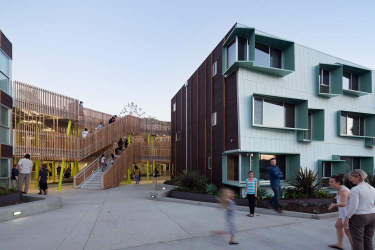 盘点全球六个国家的社会住房系统, Broadway Housing / Kevin Daly Architects. Image © Iwan Baan
