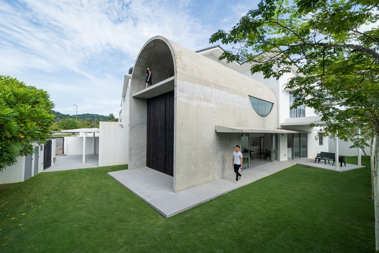 Bewboc 住宅,沉重结构与细腻开窗 / Fabian Tan Architect, © Ceavs Chua