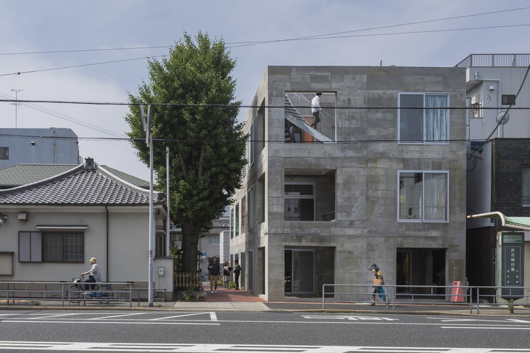 大阪郊區酒店The Blend,靈感來自違建 / Tato Architects, ? shinkenchiku_sha