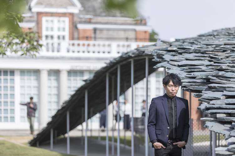 東京禮贊:石上純也訪談錄, Ishigami and the Serpentine Pavilion. Image ? Laurian Ghinitoiu
