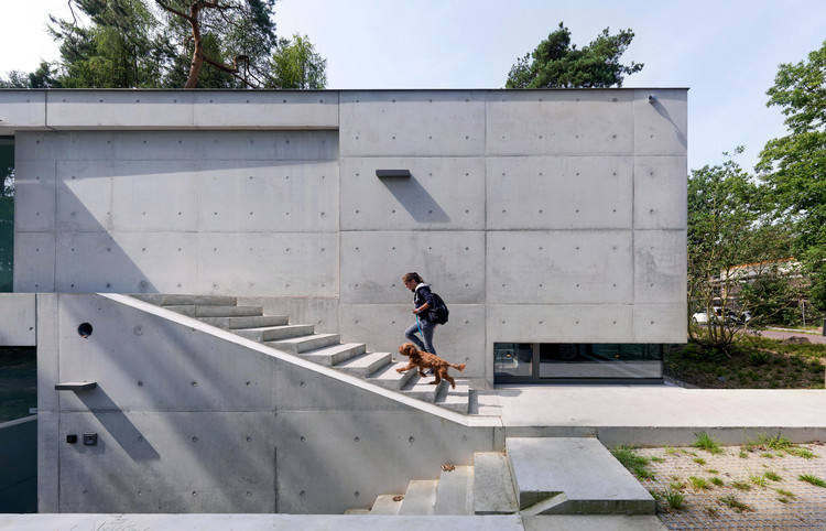 什么材料可以用作清水混凝土的模板?, House Zeist / Bedaux de Brouwer Architects. Image © Michel Kievitz