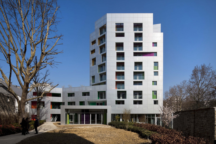 Young Workers Residence / aasb_agence d'architecture suzelbrout, © Herve Abbadie