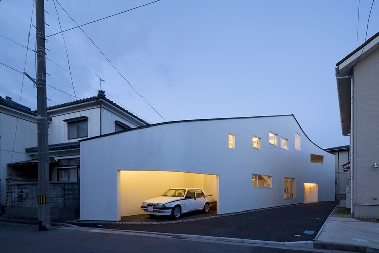 马路上的房子 / naf Architect & Design, © Toshiyuki YANO