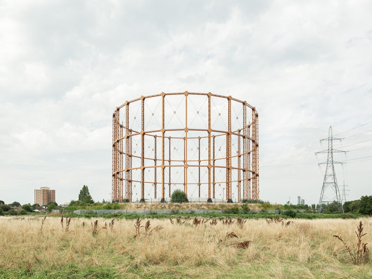 摄影作品:伦敦煤气鼓,废墟or铁锈 / Francesco Russo, Leigh Road Gas Holder. Image © Francesco Russo