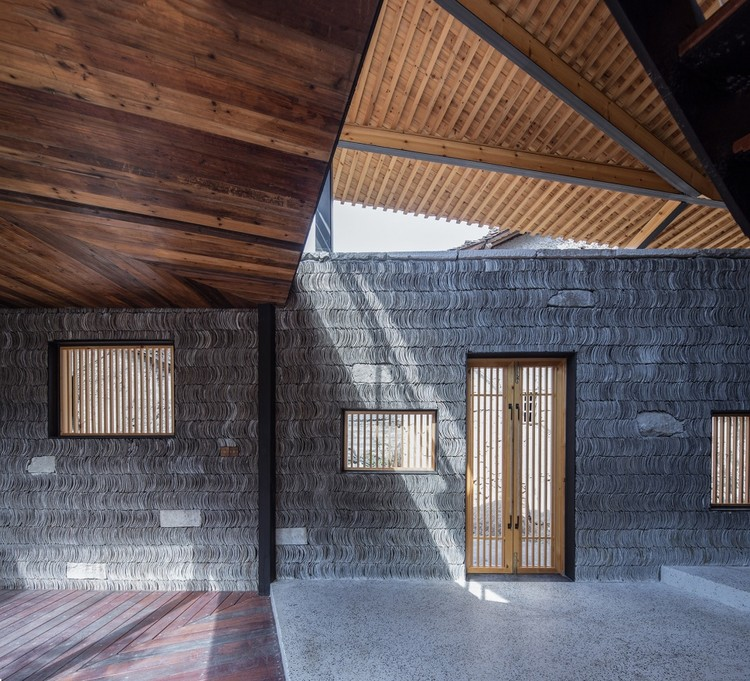 传统材料,在中国乡建中的当代转译, Qingxiao Residence / Shulin Architectural Design. Image Courtesy of Yilong Zhao